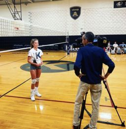 Seniors Thomas King and Catherine King Named Scholar Athlete of the Week By News12CT
